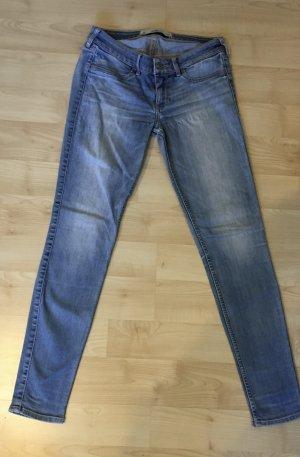 Hollister Jeans W: 27 L: 29