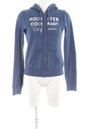4b82677237 Hollister Kapuzensweatshirt blau Schriftzug gedruckt sportlicher Stil
