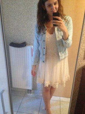 Hollister Kleid in Größe M (Creme)