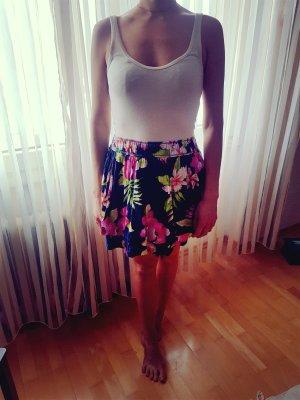 Hollister-Kleid mit Blumen