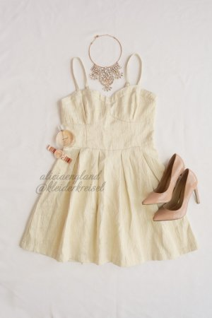 Hollister Kleid mit Golddetails