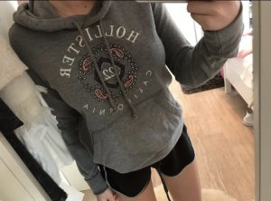 Hollister Pullover in grau