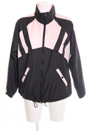 Hollister Rain Poncho black-pink casual look