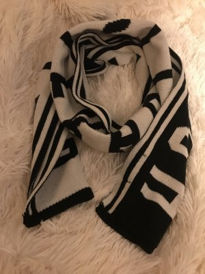 Hollister Gebreide sjaal zwart-wit