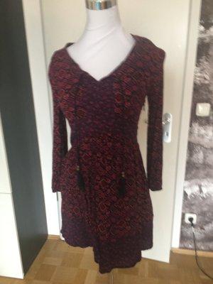 Hollister, schönes Boho-Kleid, Thnostil, knielang rot-pink-lila, XS