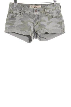 Hollister Shorts grüngrau-graugrün Camouflagemuster Street-Fashion-Look