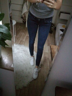 Hollister Skinny Jeans Gr. 27/33 dunkel Blau