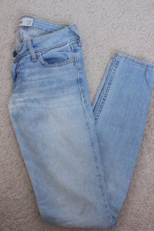 Hollister Skinny Jeans in 00