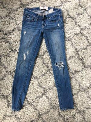 Hollister Skinny Jeans mit Rissen, mittelblau