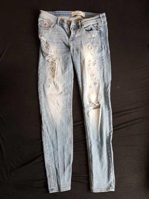 Hollister Stretch Jeans Zerrissen Zirkonia und Stickerei - Gr. 7R / W28 L31