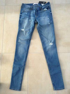 Hollister Super Skinny Jeans Größe 5L W27 L33 destroyed mit Löchern