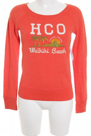 Hollister Sweat Shirt embroidered lettering fluffy