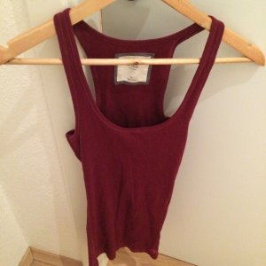 *Hollister* top burgundy red