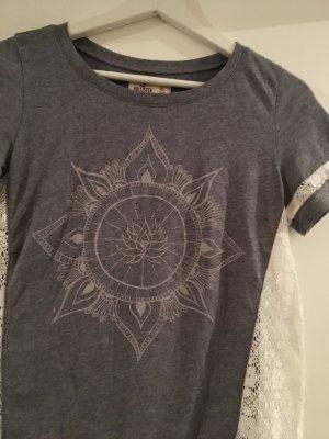 Hollister Tshirt mit Stickerei