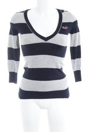 Hollister V-Ausschnitt-Pullover dunkelblau-hellgrau Streifenmuster Casual-Look