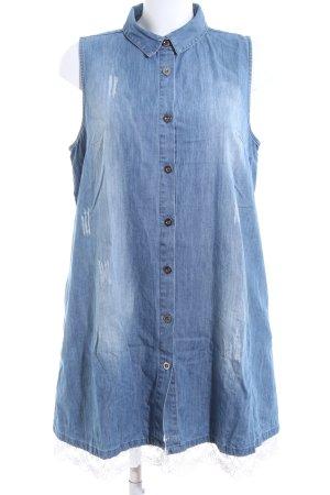 Holly Golightly Vestido vaquero azul look casual