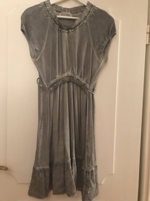 Holly Golightly Robe à volants gris clair-gris