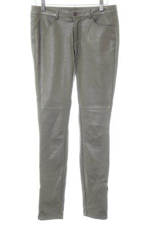 Holy Lederhose grau minimalistischer Stil