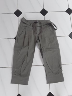 3/4 Length Trousers grey