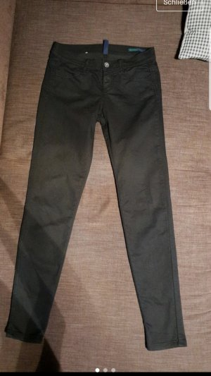Hose Benetton. 5 Pocket. Röhrenhose.