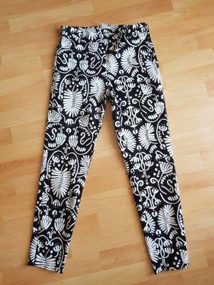 HM Pantalon strech noir-blanc cassé