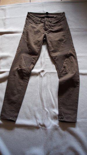 Hose, khaki farben, mit Biesen