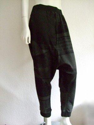 Hose mit Allover Print von RUNDHOLZ BLACK LABEL