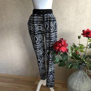 H&M Peg Top Trousers black-white
