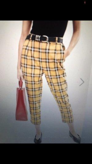 Hose mit gelbem Schottenkaro