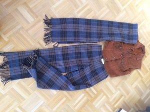 Hose mit Long-Schal von ESCADA -- purer Luxus!