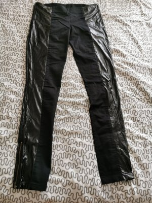 Hose mit Reißverschluss in schwarz