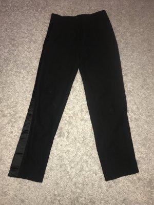 Hose mit rückwertigem Gummizug