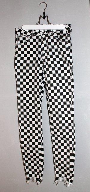 Hose mit Schachbrettmuster