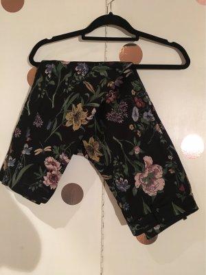 Hose schwarz mit Blumenmuster gr 42