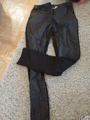 Hose vorne Lederähnlich hinten Stoff
