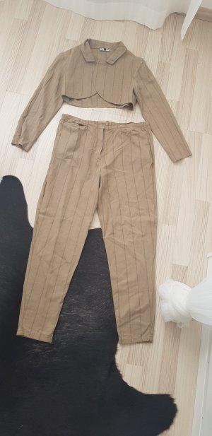 Tailleur-pantalon beige