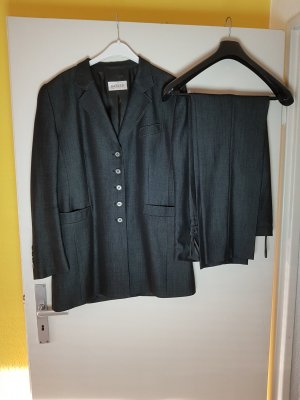 Basler Trouser Suit black new wool