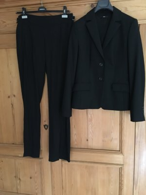 Hugo Boss Business Suit black