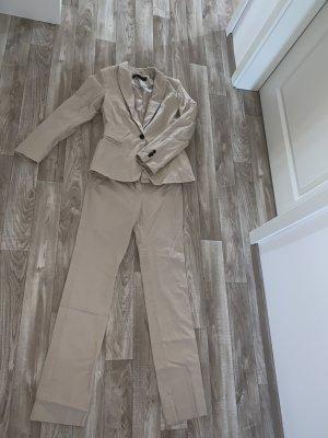 Zara Business Suit cream