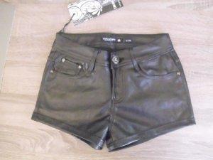 Hot Pants / Kurze Hose aus Lederimitat Neu Gr. 34