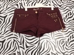Hot Pants mit Nieten