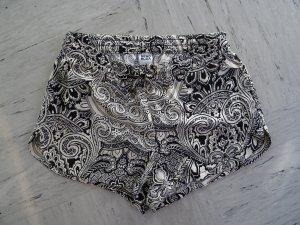 Hotpant mit schwarz-weiß Muster