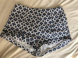 Bershka Hot Pants white-blue