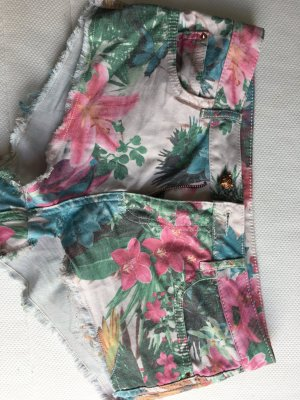 Hotpants in blumenmuster