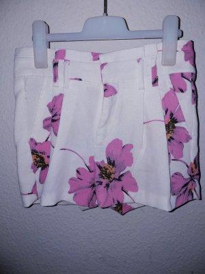 Hotpants mit Blümchen