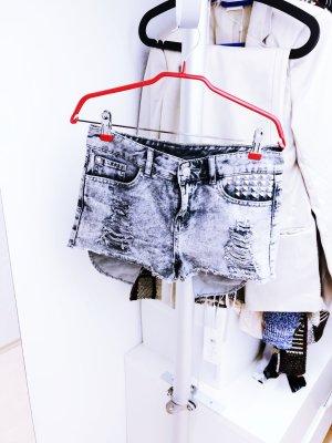 Hotpants mit Nieten von H&M