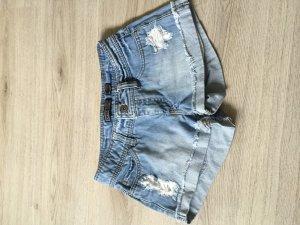 Hotpants von only. Hellblau