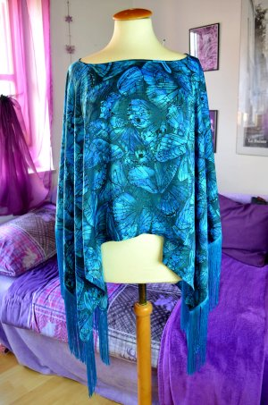 House Of Dereon Poncho, One Size