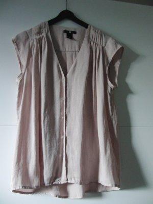 Hübsche Bluse in altrosa aus glänzendem Stoff