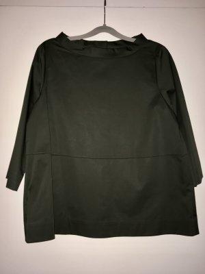 Hübsche Bluse mit Knopfleiste am Rücken